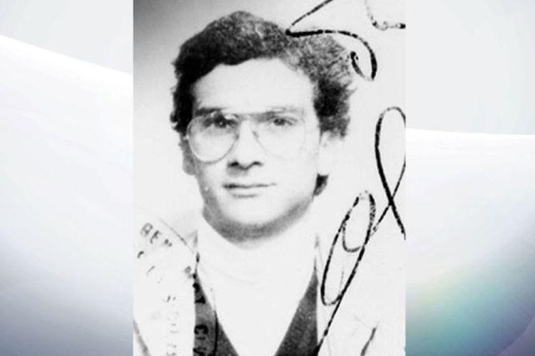 Bos mafia Italia, Matteo Messina Denaro, yang buron sejak 1993. Bos yang dijuluki Dabolik tersebut adalah suksesor dari bos mafia terbesar Italia, Salvatore Toto Riina yang meninggal 17 November.