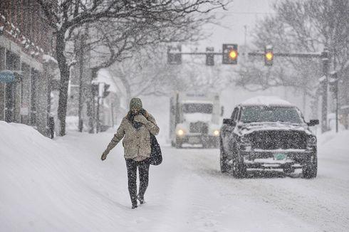 Badai Salju Hantam Kota-kota di AS, Termasuk New York