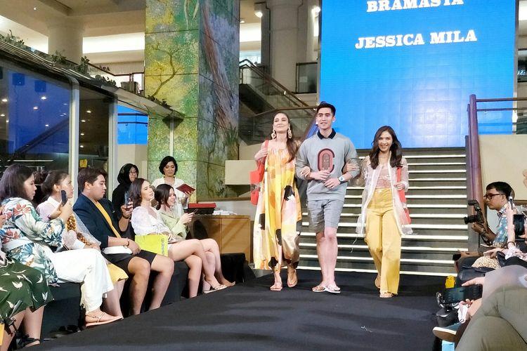 Havaianas Squad Indonesia yakni, Luna Maya, Verrell Bramasta dan Jessica Mila dalam peluncuran koleksi Summer, Beach, City dan Weekend di Plaza Indonesia, Jakarta Pusat, Kamis (20/2/2019).