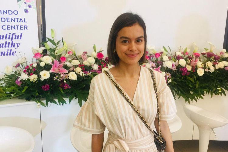 Aktris dan Musisi Eva Celia ketika ditemui di Indo Dental Center di kawasan Kebayoran Baru, Jakarta Selatan, Selasa (25/2/2020).