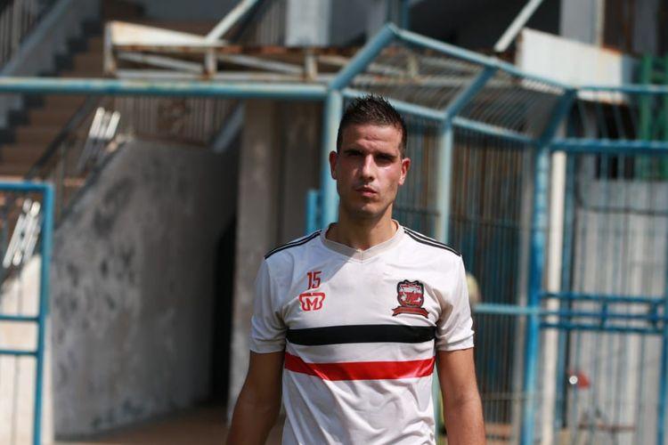 Calon pemain asing baru Madura United, Ante Bakmaz sudah tiba di Maduradan melakukan latina di Stadion Gelora Bangkalan, Jawa Timur, Jumat (2/8/2019) pagi.