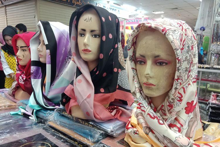 Larisnya Hijab Bermotif Jelang Lebaran Halaman All Kompas Com