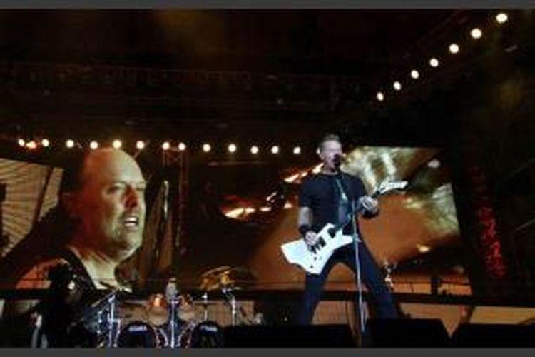 Kelompok musik Metallica menggebrak Jakarta dalam konsernya di Stadion Utama Gelora Bung Karno, Senayan, Jakarta Pusat, Minggu (25/8/2013) malam.