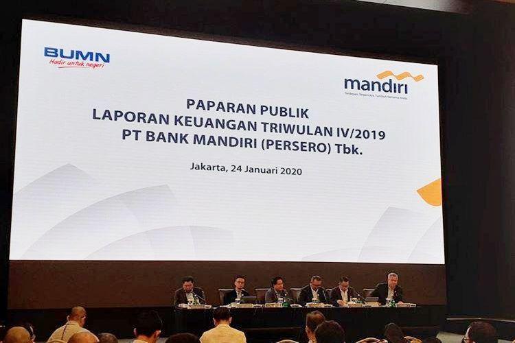 Jajaran direksi Bank Mandiri memaparkan Laporan Keuangan sepanjang tahun 2019 di Plaza Mandiri, Jakarta, Jumat (24/1/2020).