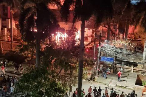 Gudang Jasa Ekspedisi di Sawah Besar Terbakar, Asap Hitam Membumbung Tinggi