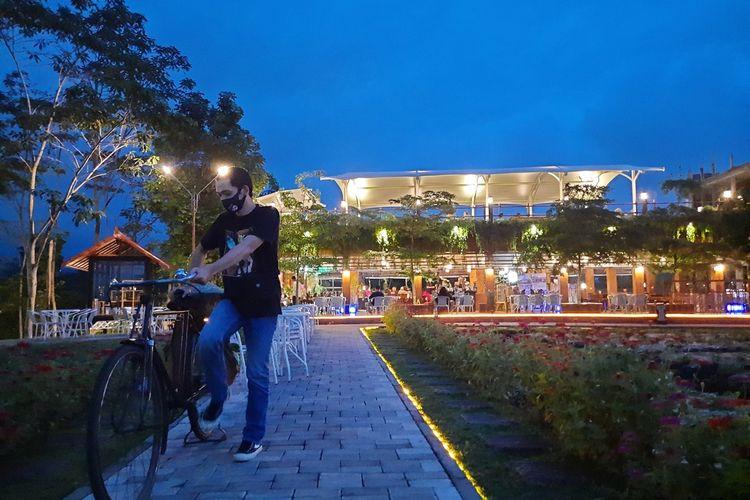 Suasana di NK Kafe yang ada di Karangploso, Kabupaten Malang, Senin (14/12/2020).