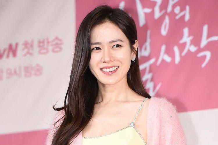 Artis peran Son Ye Jin, pemeran Yoon Se Ri dalam drama Crash Landing On You.