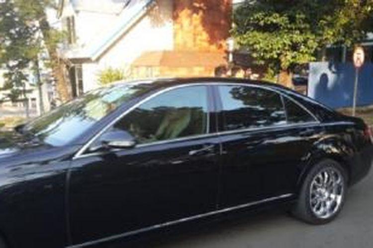 Mobil Mercedes-Benz S500 yang ditumpangi Jessica Miller