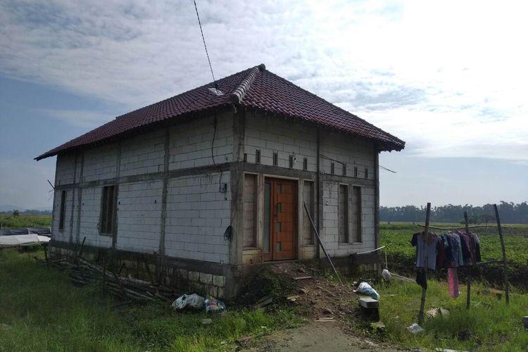 Rumah LA (25), terduga teroris yang diamankan di Dusun Kentingan, Desa Puhkerep, Kecamatan Rejoso, Nganjuk