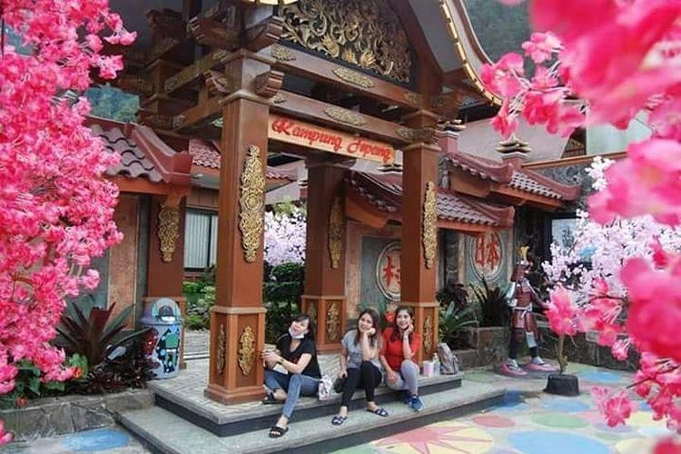 Spot foto New Kampung Jepang di Bukit Sekipan, Karanganyar, Jawa Tengah.