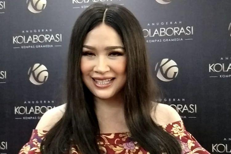 Titi Dj saat ditemui usai mengisi acara Anugerah Kolaborasi Kompas Gramedia di Menara Kompas, Palmerah Selatan, Jakarta Pusat, Jumat (26/9/2019).