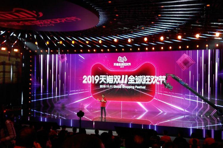Kemeriahan Global Shopping Festival 11.11 Tahun 2019 di Hangzhou, China.