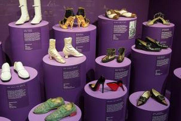 Pameran sepatu di Inggris tampilkan 250 koleksi sepatu dari masa ke masa.