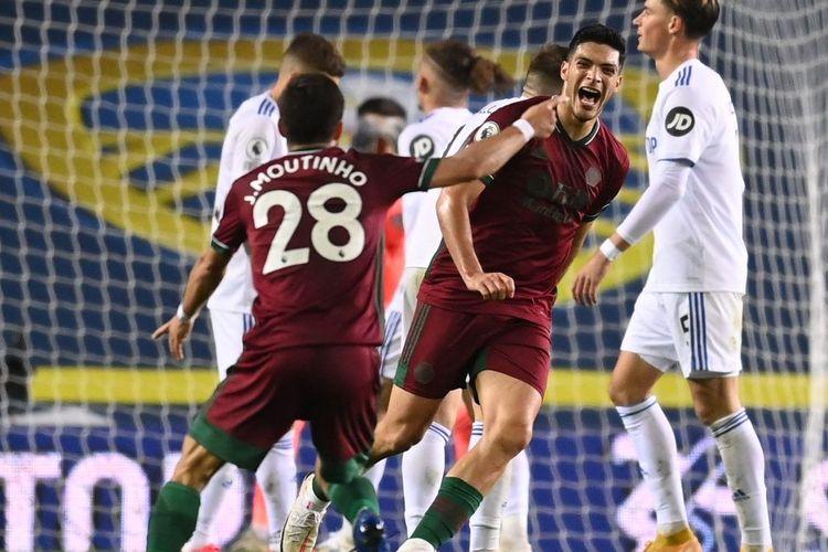 Penyerang Wolverhampton, Raul Jimenez usai mencetak gol ke gawang Leeds United