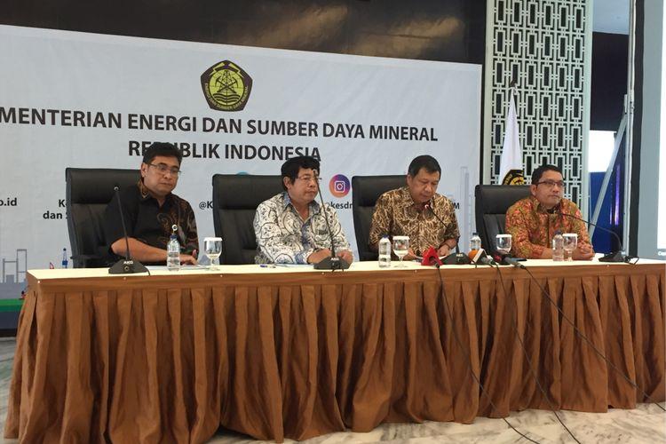 Direktorat Jenderal Migas bersama Komite BPH Migas menggelar konferensi pers mengenai progress kebijakan bahan bakar minyak satu harga di kantor Kementerian ESDM, Jumat (3/11/2017).