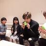 Onew SHINee Cerita Kesan Pertamanya Makan Buah Durian di Pinggir Jalan