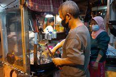 Kisah Dartadi, Racik Nasi Goreng Jualannya Dibantu Mesin karena Patah Tangan