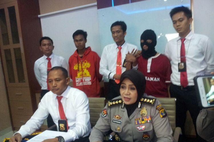 Deni warga Bandung pensukun