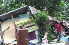 Setir Macet, Minibus Milik Dinas Pertanian Asahan Tabrak 3 Warung
