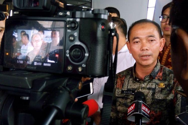 Bupati Bangka Mulkan memberi keterangan pada Jumat (6/3/2020) tentang Mandiri 8th Sungailiat Triathlon 2020. Kegiatan dilaksanakan pada 11 April 2020 di Tanjung Pesona, Kabupaten Bangka.