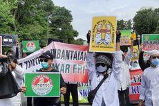 Simpatisan Rizieq Gelar Aksi 1812 di Istana, Polisi Lakukan Operasi Kemanusiaan