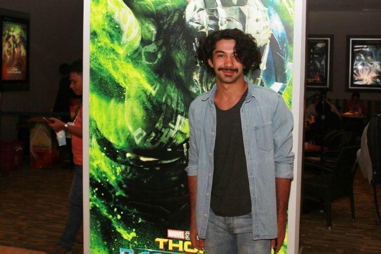 Reza Rahadian menghadiri pemutaran film Thor: Ragnarok di Gandaria City XXI, Jakarta Selatan, Senin (23/10/2017) malam.