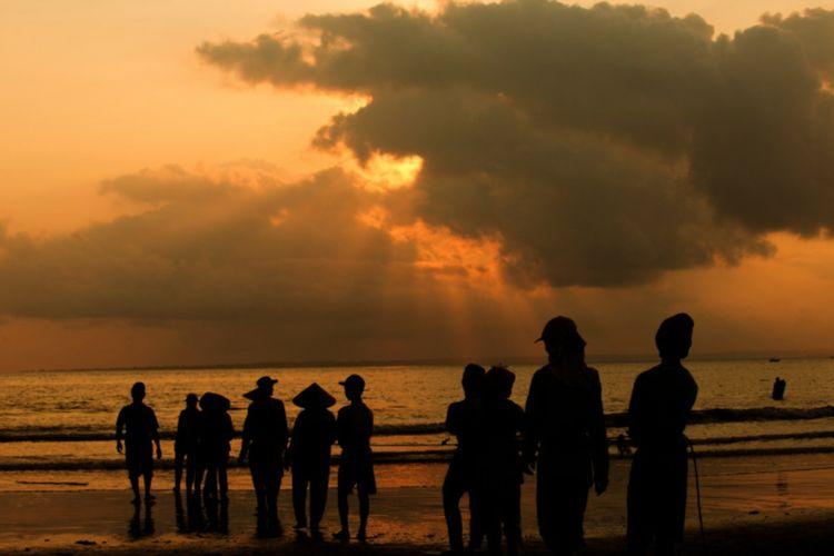 Sunset di Pantai Pangandaran