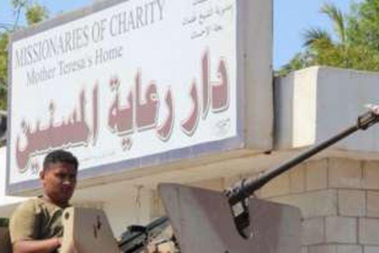 Pemerintah Yaman menuding ISIS berada di balik serangan panti jompo di Aden, Yaman.