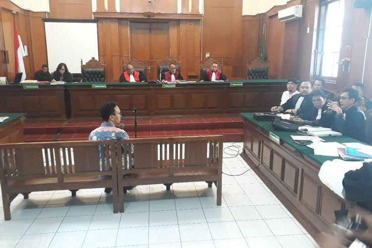 Sidang lanjutan perkara pencemaran nama baik dengan terdakwa Ahmad Dhani di PN Surabaya, Kamis (28/3/2019)