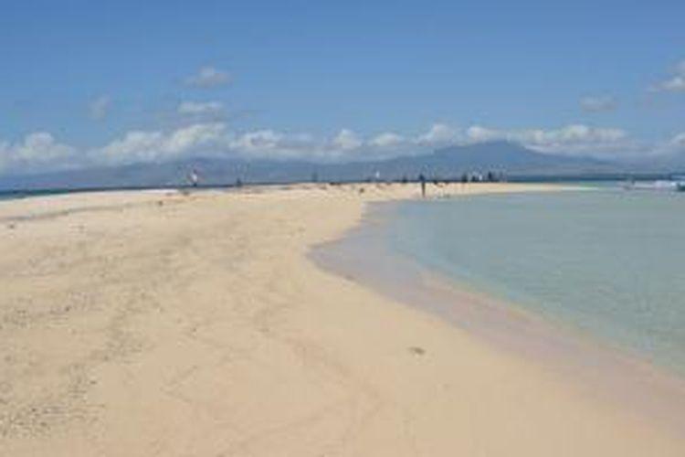Pulau Rii Taa di Desa Tonggurambang, Kecamatan Aesesa, Kabupaten Nagekeo, Flores, NTT.