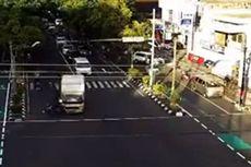 Viral, Video Detik-detik Truk Boks Terobos Lampu Merah hingga Tabrak Pengendara Motor di Klaten