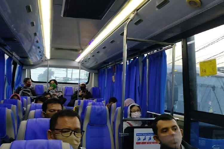 Kabin bus gratis antar stasiun