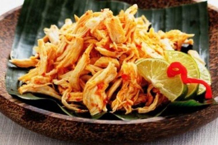 Ayam Pelalah, salah satu menu masakan ayam pedas khas Bali yang disajikan dalam Grand Final MasterChef Indonesia Season 6.
