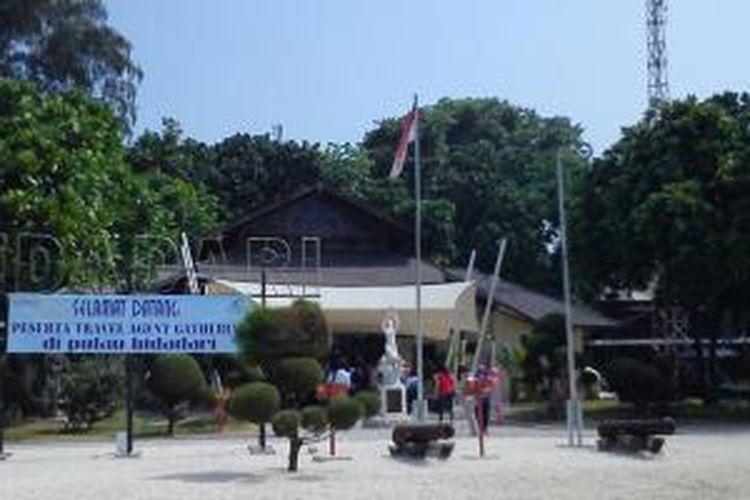 Pulau Bidadari, merupakan salah satu pulau dari gugusan Kepulauan Seribu. Pulau Bidadari merupakan pulau terdekat dengan Jakarta yang bisa dicapai hanya dalam waktu 20 menit menggunakan speedboat.