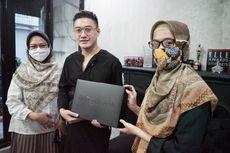 Lelang Karya Eksklusifnya, Barli Asmara: Donasi Bentuk Tanggung Jawab Industri Fashion