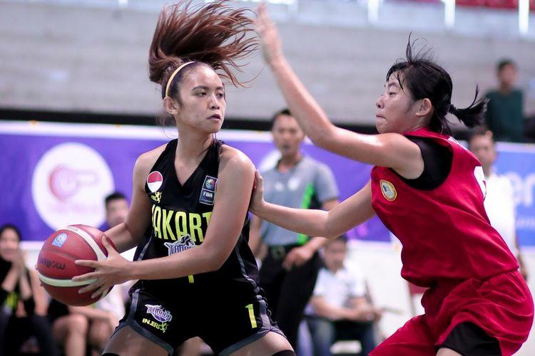 Klub basket putri Tanago Friesian Jakarta mengandaskan perlawanan Malaysia Penang Stallion dengan angka 71-38 pada Pra Season Srikandi Cup 2020 di GOR Gelanggang Remaja Pekanbaru, Senin (13/1/2020).