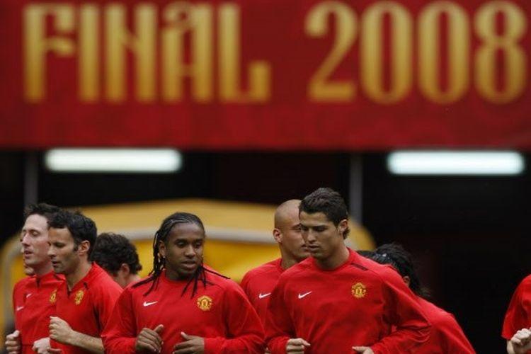 Skuad Manchester United kala menjalani sesi latihan jelang final Liga Champions 2008 kontra Chelsea.