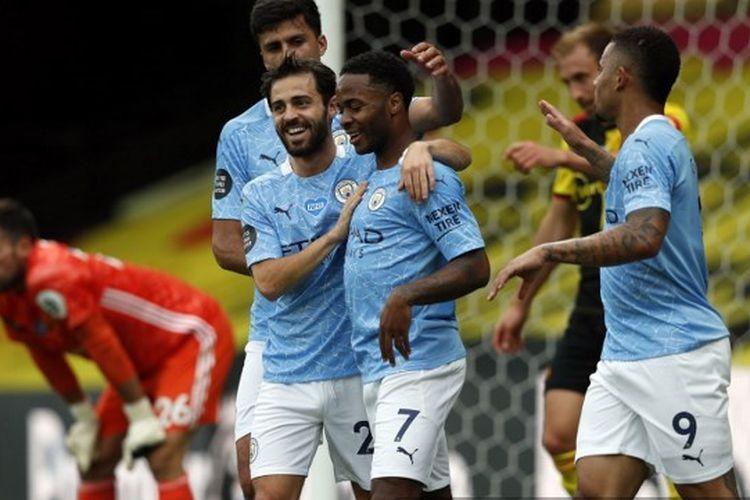 Bernardo Silva dan Raheem Sterling dalam laga Watford vs Manchester City pada pekan ke-37 Liga Inggris 2019-2020.