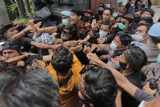 AWK, Anggota DPD Didemo karena Dianggap Lecehkan Kepercayaan Warga Bali