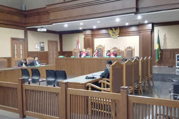 Sidang PK atas putusan kasasi yang memutus lepas terdakwa kasus Bantuan Likuiditas Bank Indonesia (BLBI) Syafruddin Arsyad Temenggung.