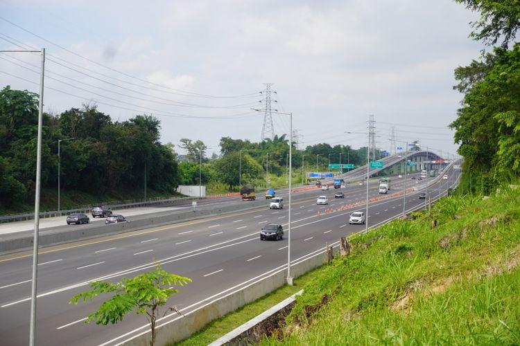 PT Jasa Marga (Persero) Tbk mencatat 131.679 kendaraan meninggalkan Jakarta dari arah timur melalui Gerbang Tol (GT) Cikampek Utama 1 dan GT Kalihurip Utama 1 selama dua hari Libur Tahun Baru 2021.