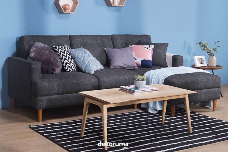 Model Sofa L sangat pas digunakan untuk ruang tamu dengan luas yang terbatas.