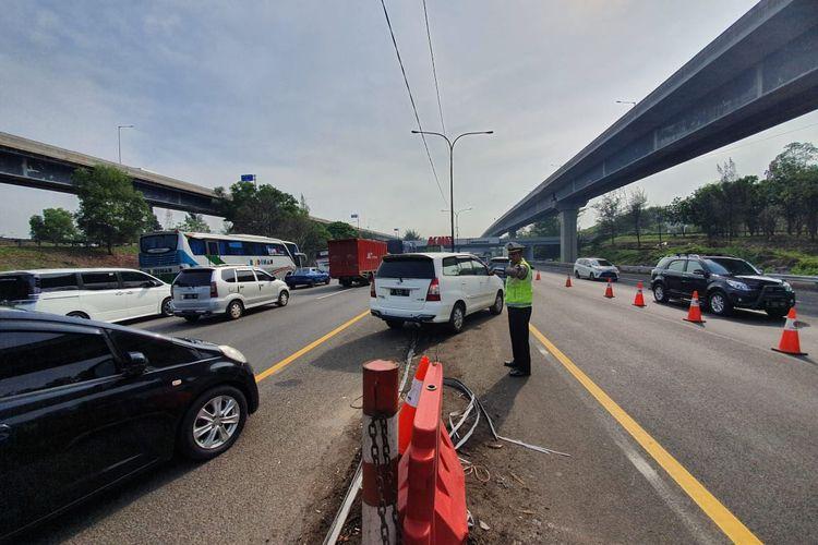 Jalan Tol Jakarta Cikampek, Minggu (22/12/2019)