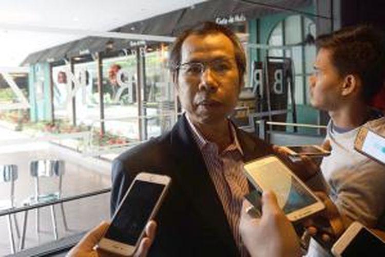 Samuel Lawrence, CEO dan Founder Axioo, saat memberikan keterangan pers