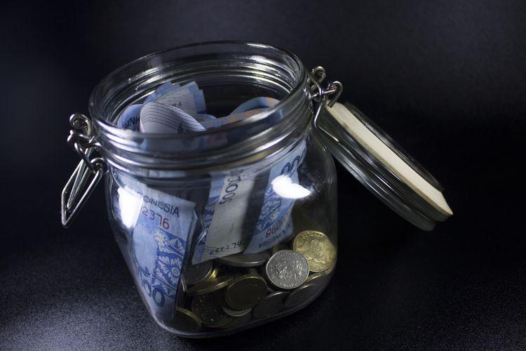 Ilustrasi hemat uang