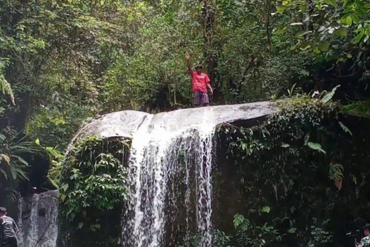 Pesona Keindahan Tersembunyi dari Objek Wisata Air Terjun Paling Seksi di Mamasa