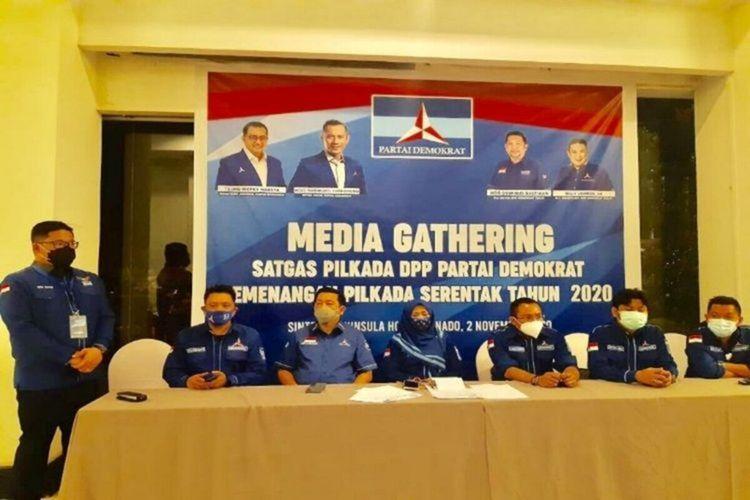 Ketua Tim Satgas Sulawesi I (Sulut, Sulteng dan Gorontalo), Andi Timo Pangerang bersama pengurus struktur Partai Demokrat Sulut dalam media gathering yang digelar, Senin (2/11/2020) malam.