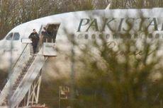 Pesawat Komersial Pakistan Digiring Jet Tempur Inggris ke Bandara Lain