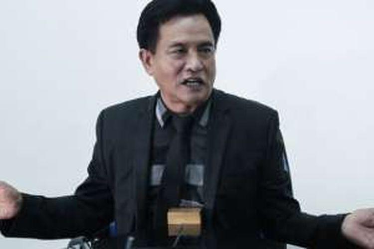 Bakal calon gubernur DKI Jakarta, Yusril Ihza Mahendra, saat wawancara di kantor redaksi Kompas.com, Jakarta, Selasa (5/4/2015). Dalam kesempatan itu, ia memaparkan gagasannya mengenai Jakarta.
