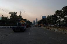 Pukul 17.29, Jalan Gatot Subroto Masih Ditutup